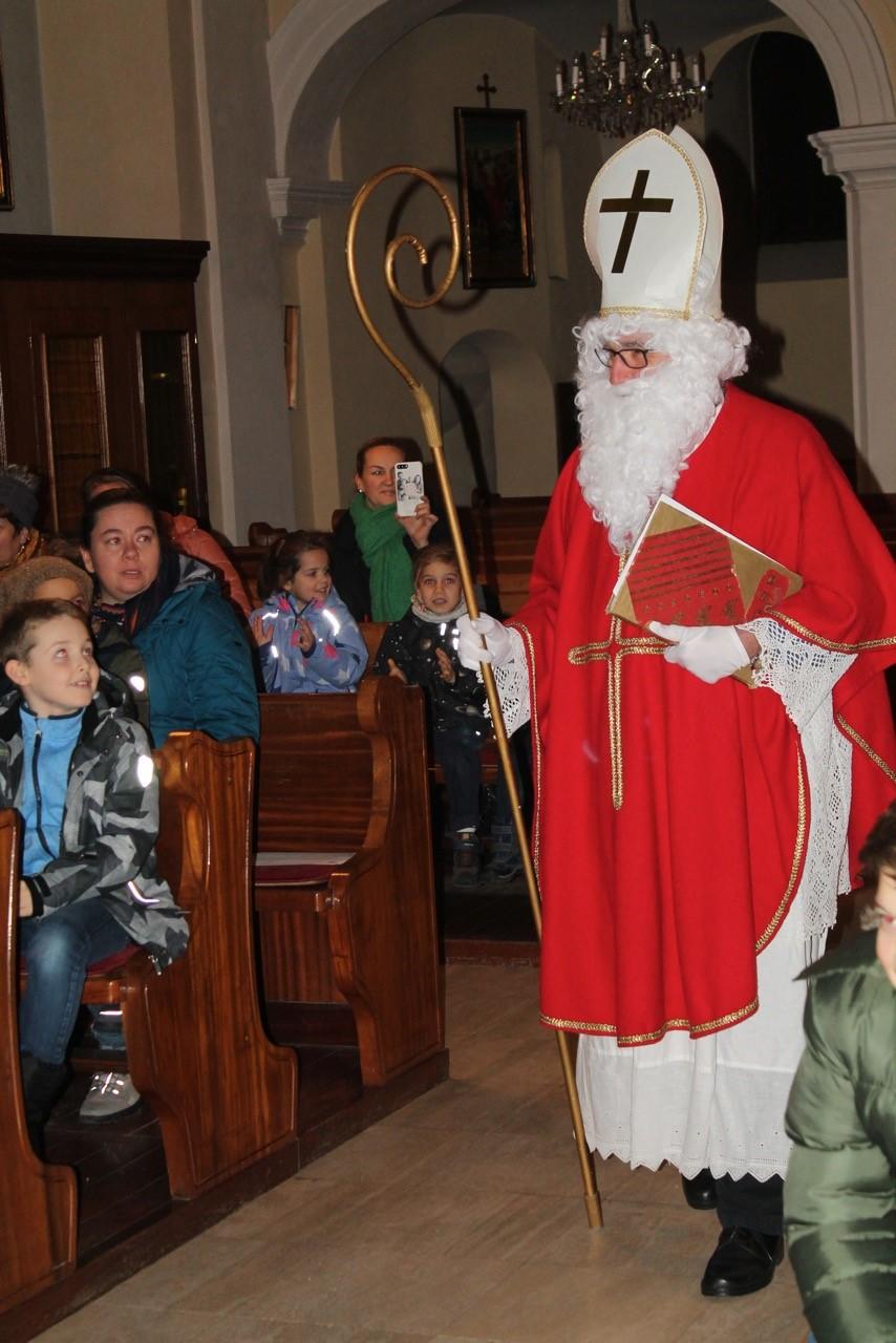 Der Heilige Nikolaus Kam In Seine Kirche St Nikolaus Auersthal